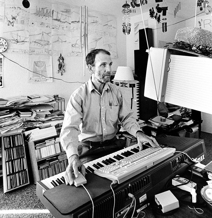 David Cope podczas pracą nad EMI